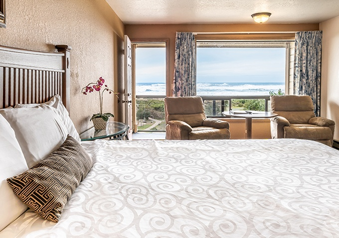 Beach View Room - Gold Beach Inn - Gold Beach, Oregon
