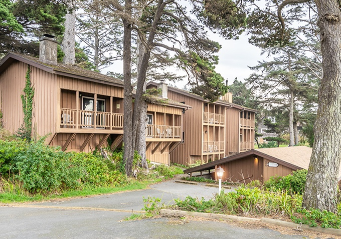 Ireland Rustic Lodges Suites - Gold Beach, Oregon
